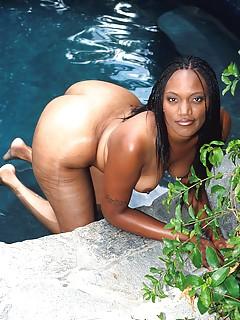 Ebony Pool Porn Pics
